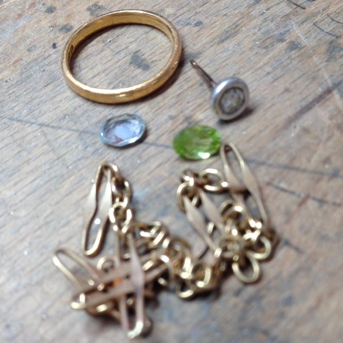 HJ_BESPOKE_ Aauamarine, Peridot and Diamond Ring2