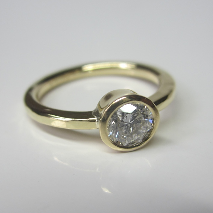 HJ_BESPOKE_18ct gold and half carat Diamond