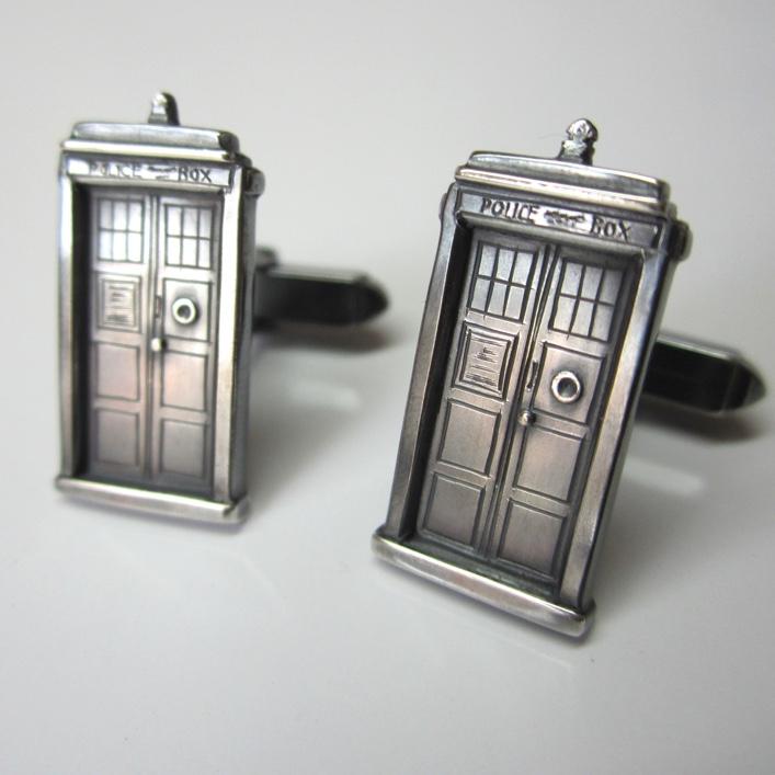 HJ_BESPOKE_Dr Who Cuffs1