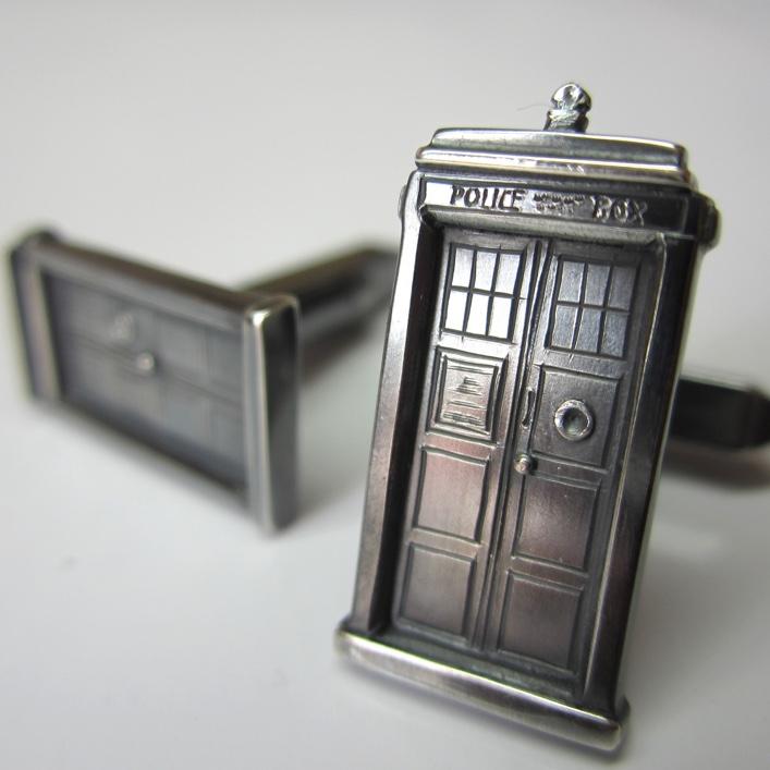 HJ_BESPOKE_Dr Who Cuffs2