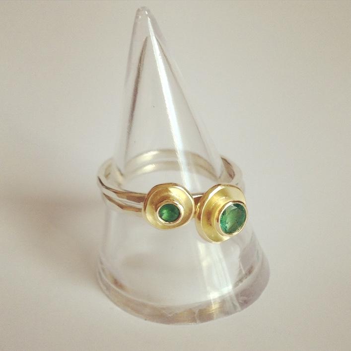HJ_BESPOKE_Emerald Ring, Neckpiece and Earrings Set5