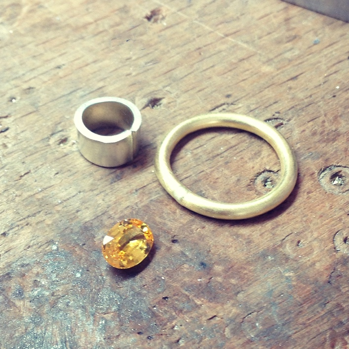 HJ_BESPOKE_Gold and Yellow Sapphire Ring2
