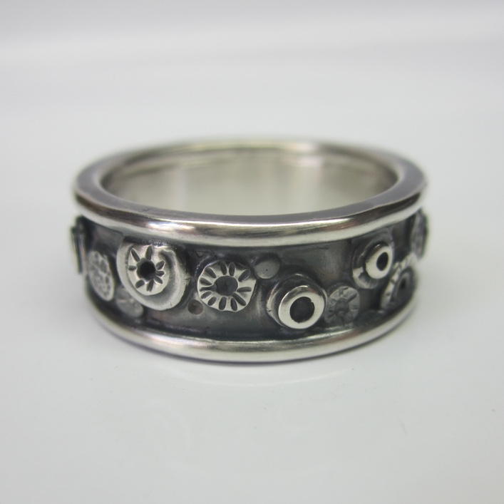 HJ_BESPOKE_Nuts and Bolts Wedding Band