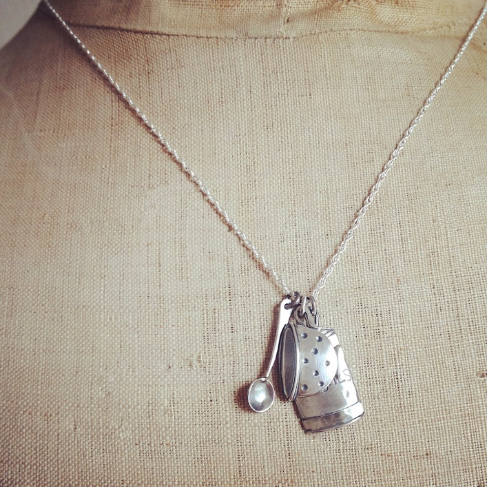 HJ_BESPOKE_Peaches, Spoon and Teacup Pendant2