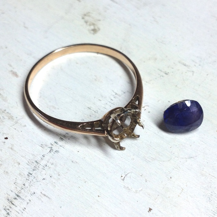 HJ_BESPOKE_Sapphire Wedding and Engagement Rings2