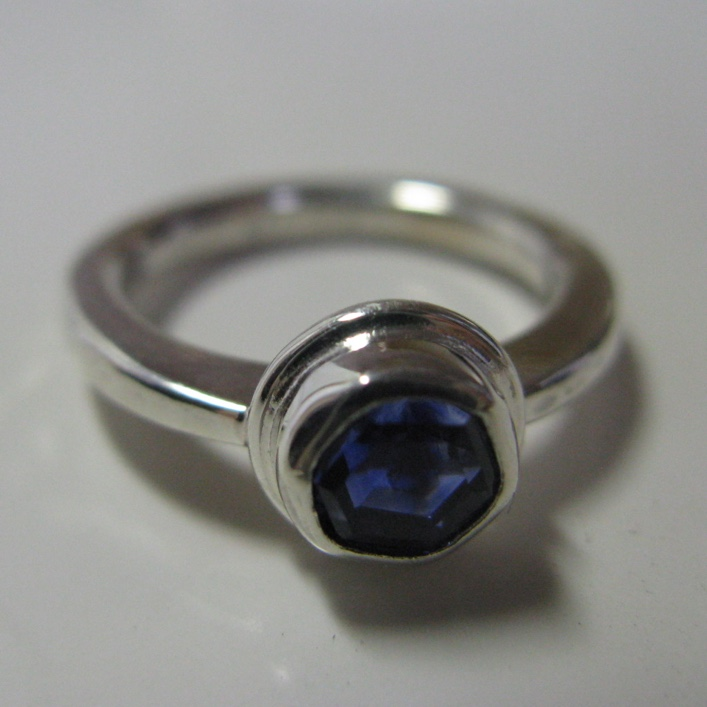 HJ_BESPOKE_Inherited Sappihre Ring