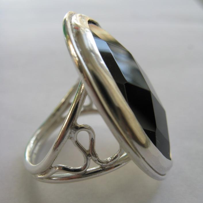 HJ_BESPOKE_Onyx Ring2