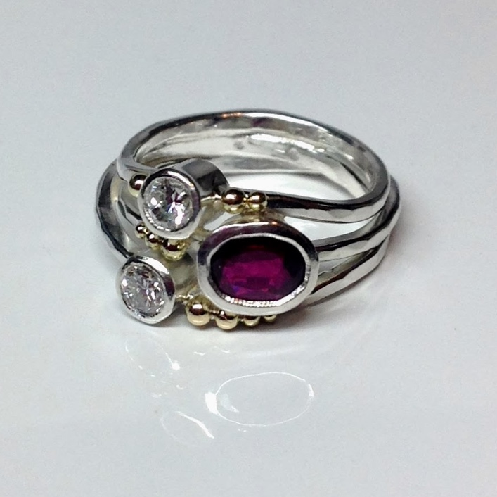 HJ_BESPOKE_Ruby Twist Ring