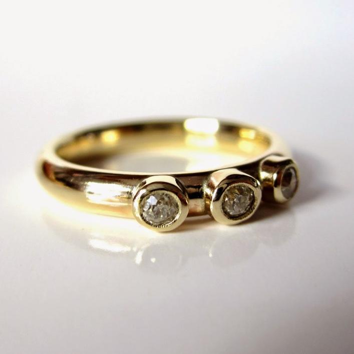 HJ_BESPOKE_Triple Inherited Diamond Ring 2