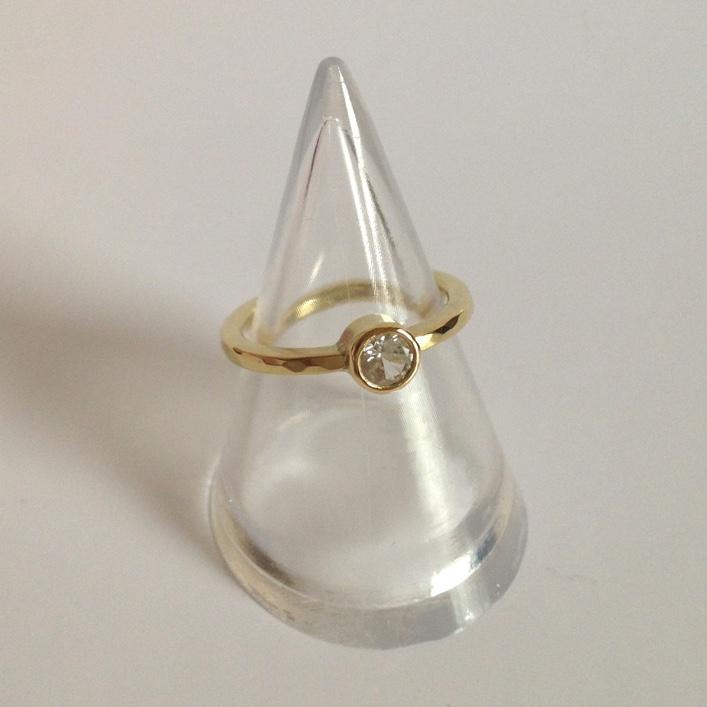 HJ_BESPOKE_White Sapphire Ring