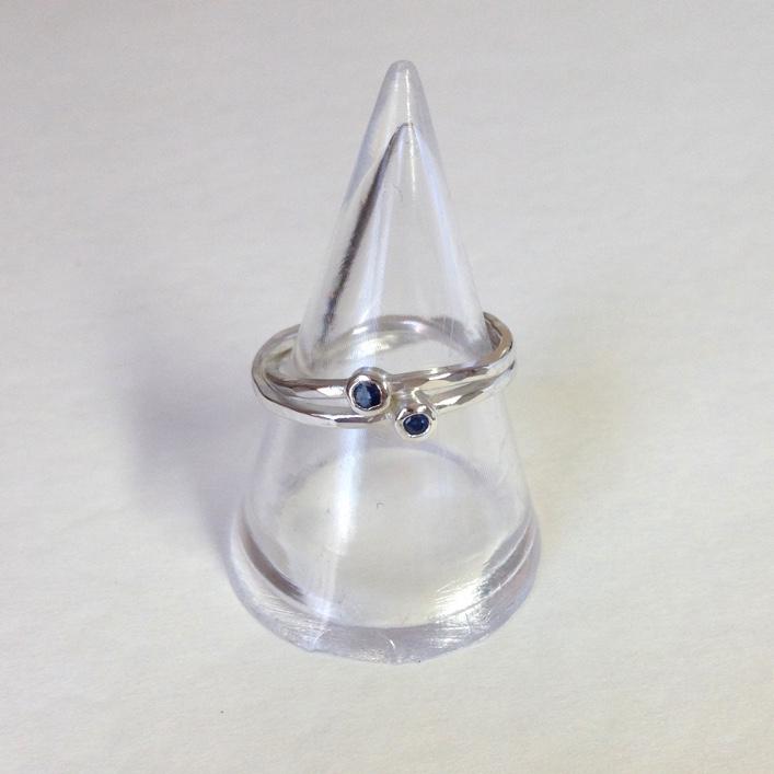 HJ_BESPOKE_Double Sapphire Twist Ring