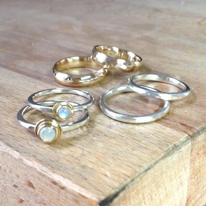 HJ_BESPOKE_Moonstone Pod Ring 1