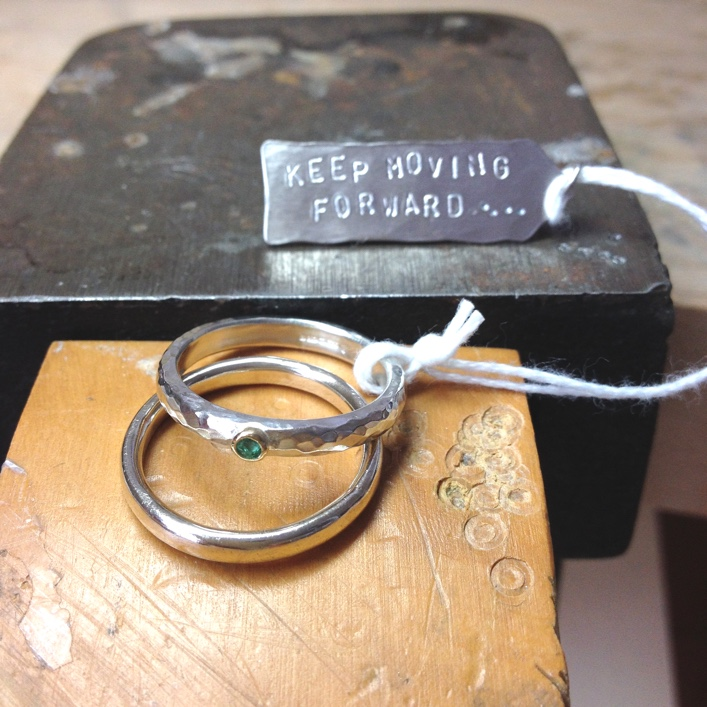 HJ_BESPOKE_Emerald and White Gold Ring