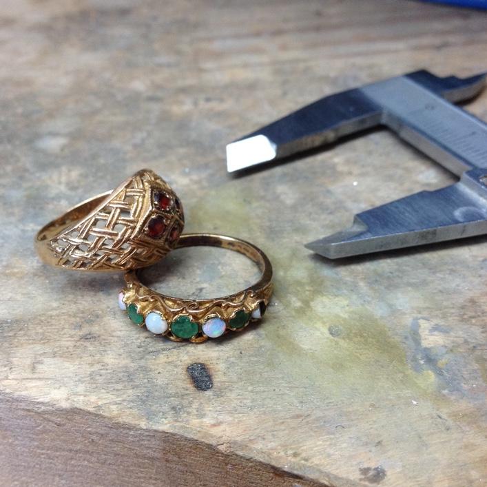 HJ_BESPOKE_Inherited Opal & Garnet Double Bangle 3