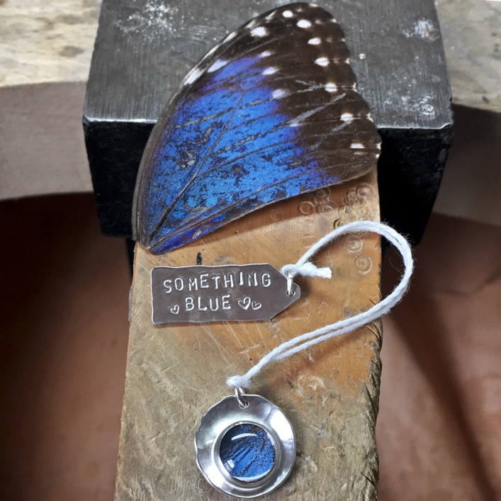 HJ_BESPOKE_something-blue-pendant