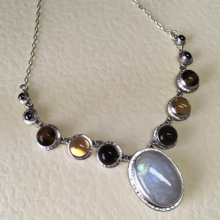hj_bespoke_deconstructed-wedding-neckpiece-2