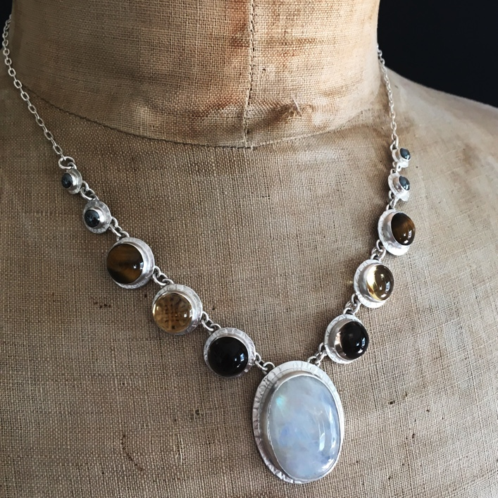 hj_bespoke_deconstructed-wedding-neckpiece
