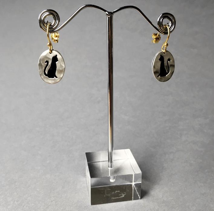 hj_bespoke_cat-earrings