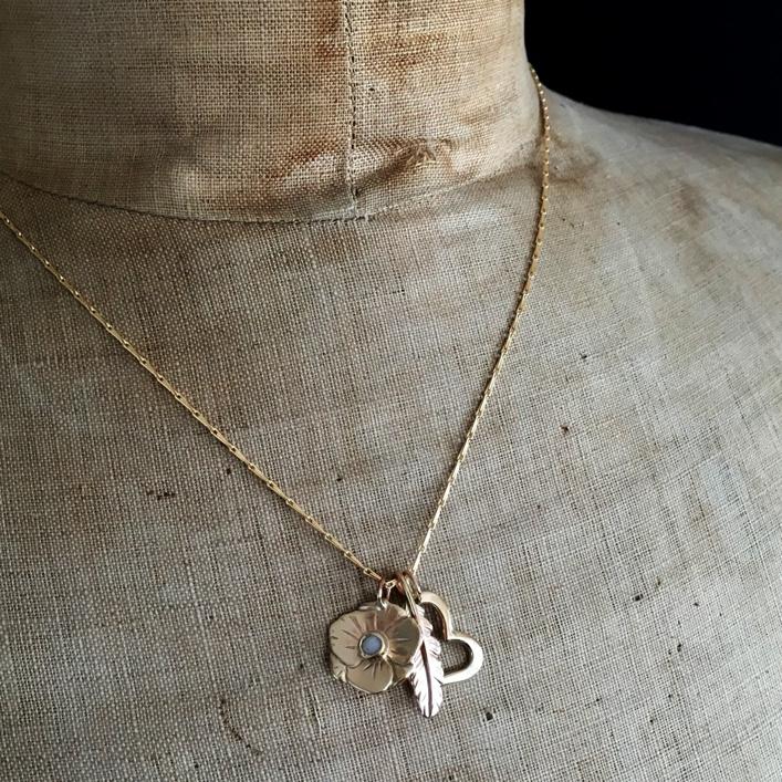 hj_bespoke_gold-cluster-pendant