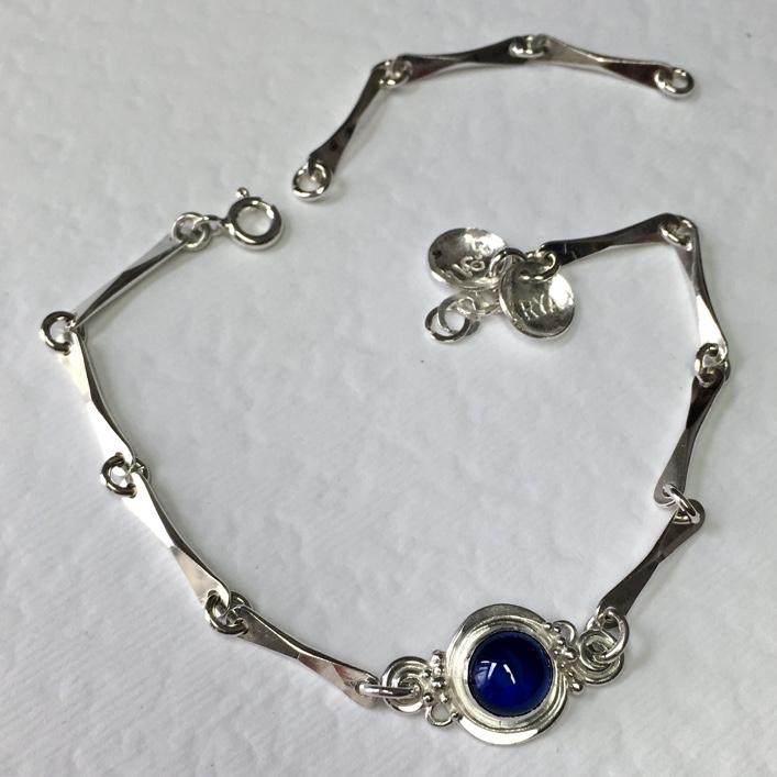 hj_bespoke_handmade-chain-with-sapphire-pendant