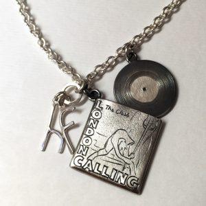 hj_bespoke_london-calling-pendant