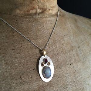 hj_bespoke_moonstone-and-ruby-pendant-model