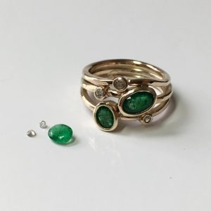 hj_bespoke_stack-ring-emerald-and-diamond