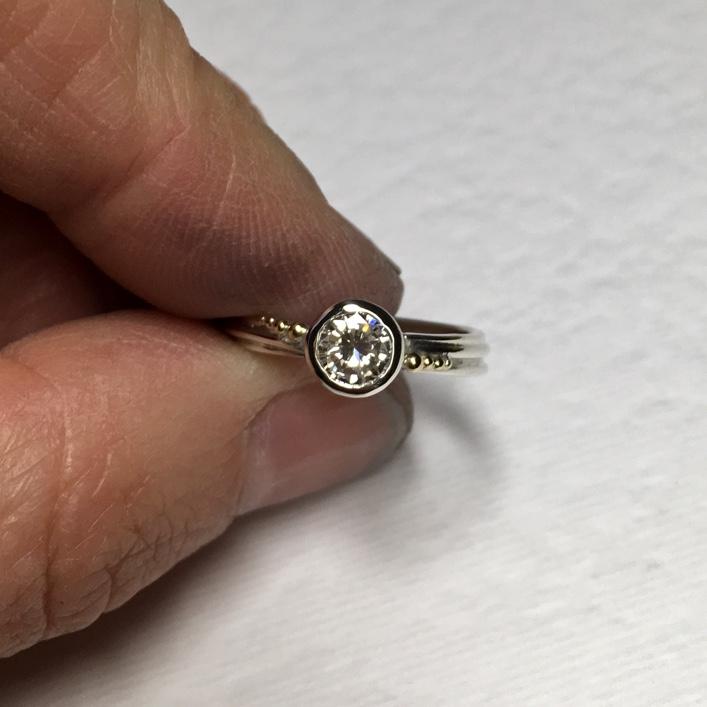 HJ_BESPOKE_DIAMOND_STRAND_RING