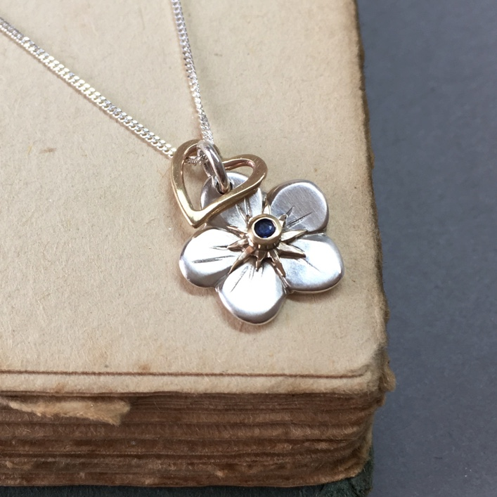 HJ_BESPOKE_FORGET_ME_NOT_PENDANT
