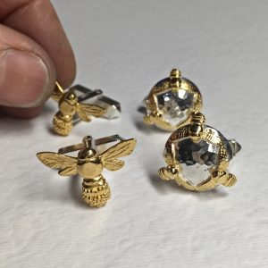 HJ_BESPOKE_GOLD_HONEYBEE_CUFFLINKS