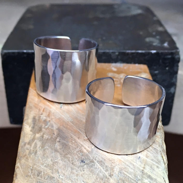 HJ_BESPOKE_THICK_BAND_TORC_RINGS