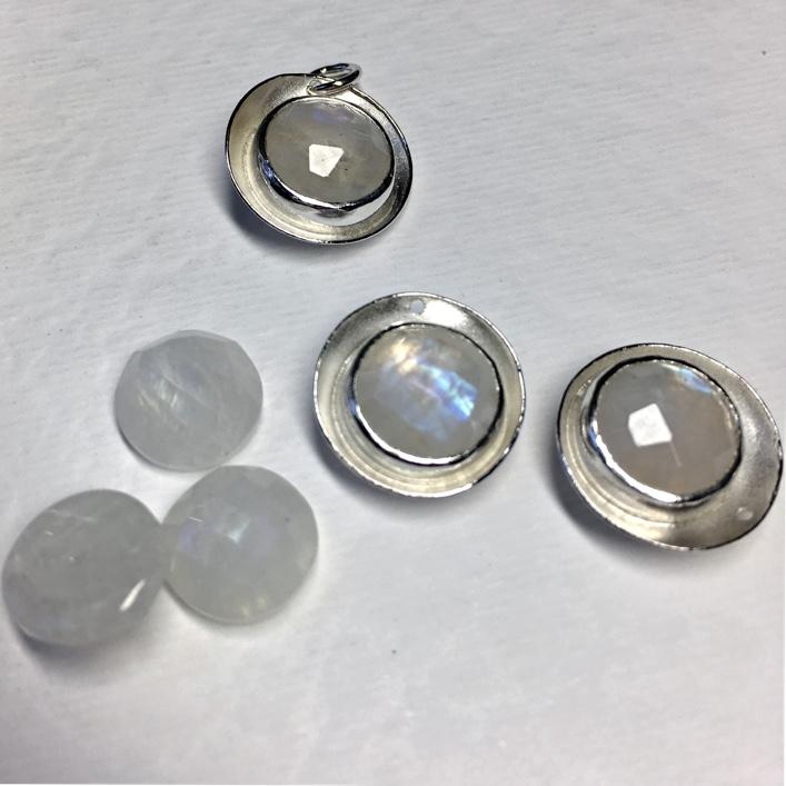 HJ_BESPOKE_moonstone_pendants