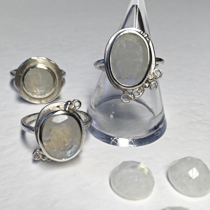 HJ_BESPOKE_moonstone_rings