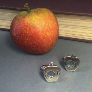 Sherlock-Moriarty's-Apple-Cufflinks
