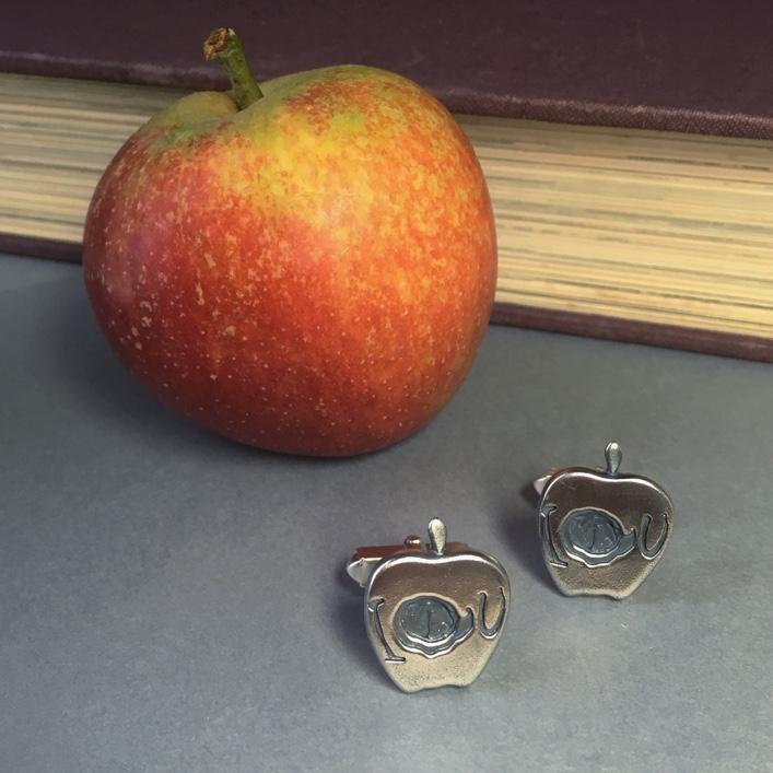 Sherlock-Moriarty's-Apple-Cufflinks