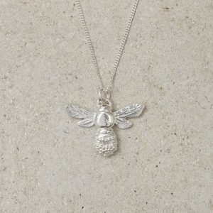 HJ_SHOP_HONEYBEEPENDANT_SILVER_PRODUCT