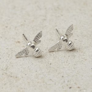 HJ_SHOP_MINIATUREHONEYBEE_STUDS_PRODUCT