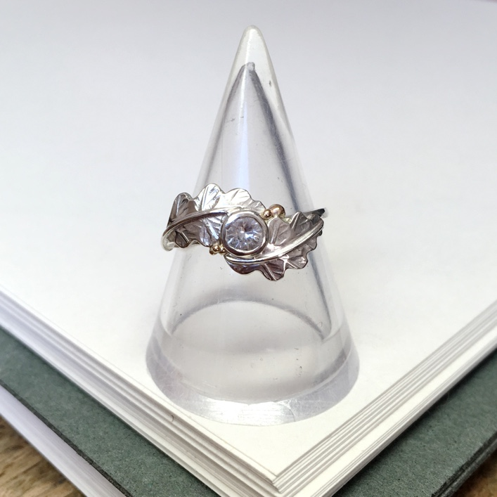 HJ_BESPOKE_DIAMOND_OAKLEAF_RING