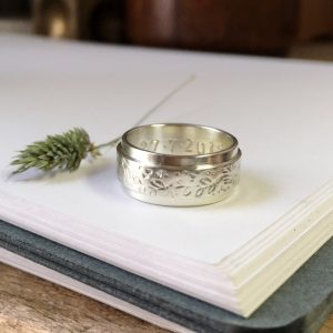 HJ_BESPOKE_WHITE_GOLD_BAND_STAMPED