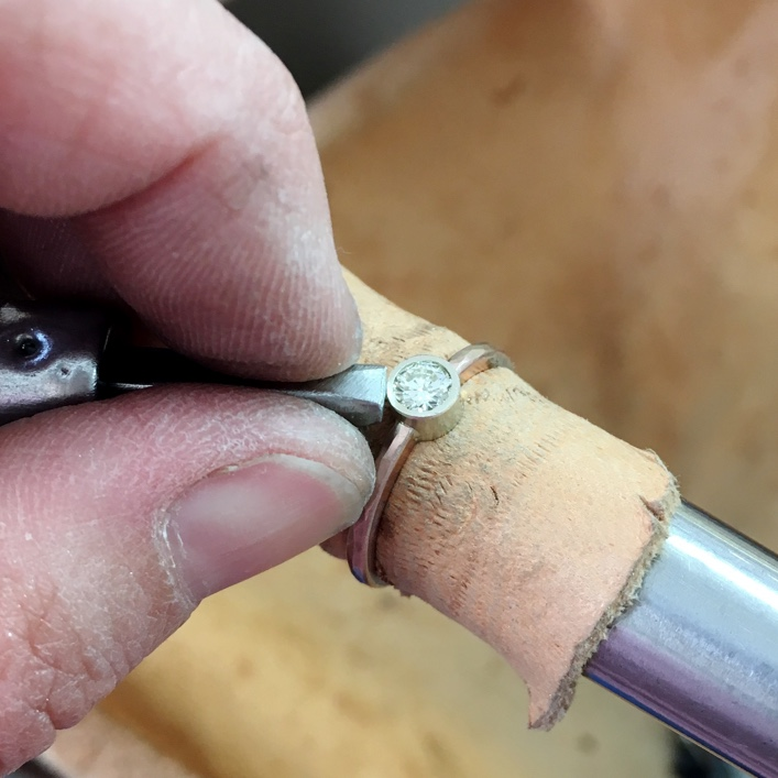 HJ_BESPOKE_ROSE_GOLD_DIAMOND_SETTING